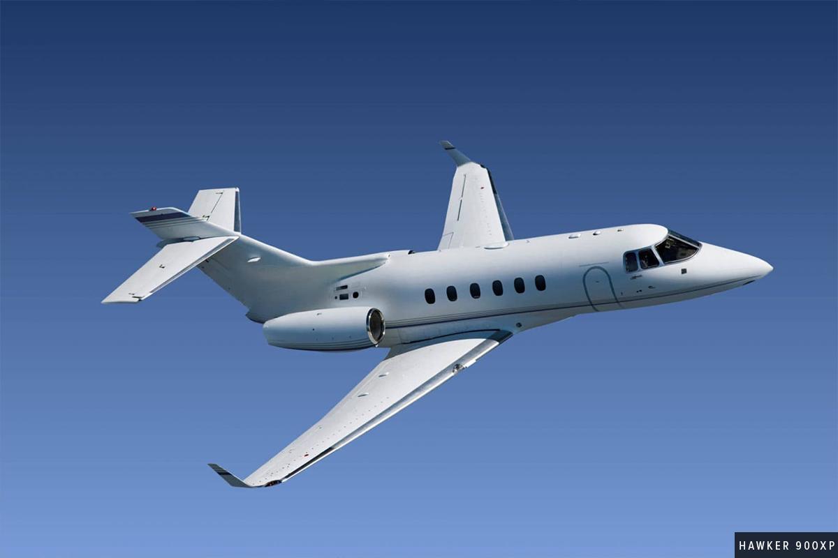 Midsize Jet Hawker 900XP Exterior