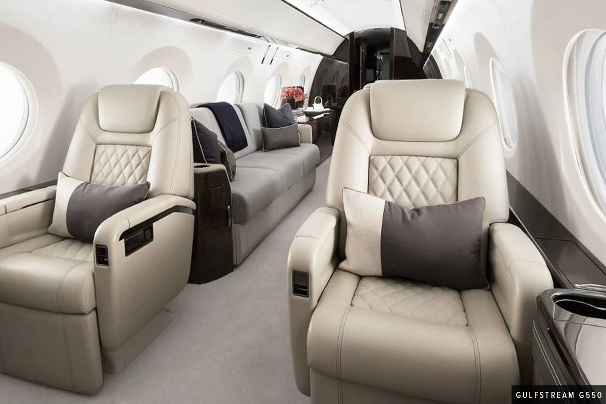 2 Larges Chairs in a Heavy Cabin Gulfstream G550 Interior