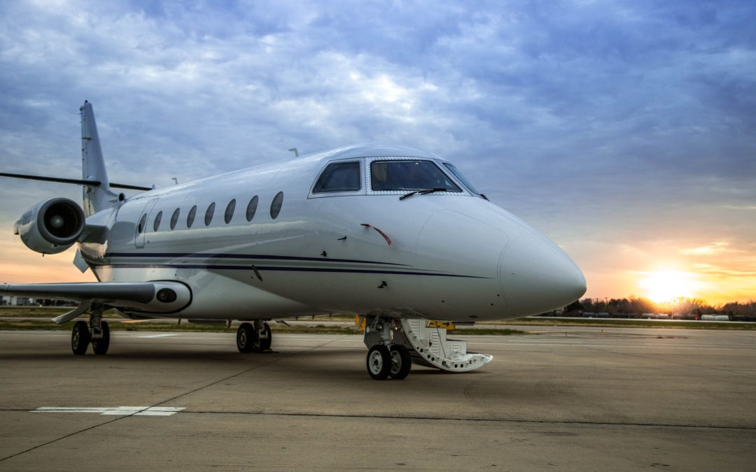 Private Jet Charters, Full, or Partial Ownership? [Benefits & Pitfalls of Each]